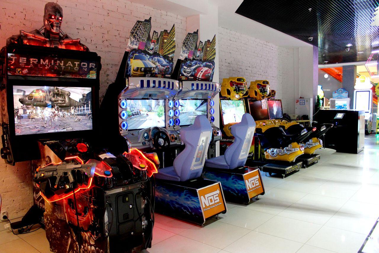 Кинотеатр с игровыми автоматами бесплатные игровые автоматы playtech
