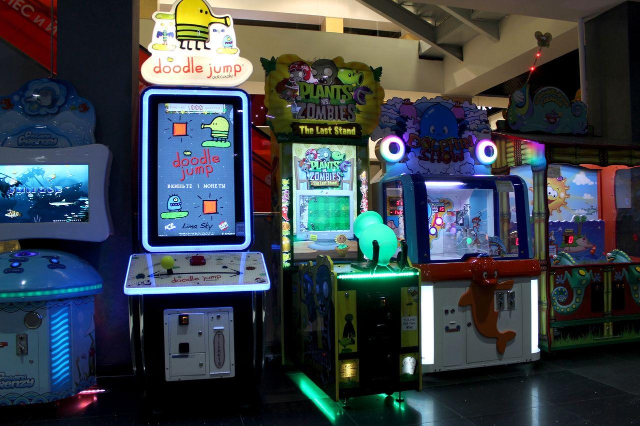 кинотеатр с игровыми автоматами